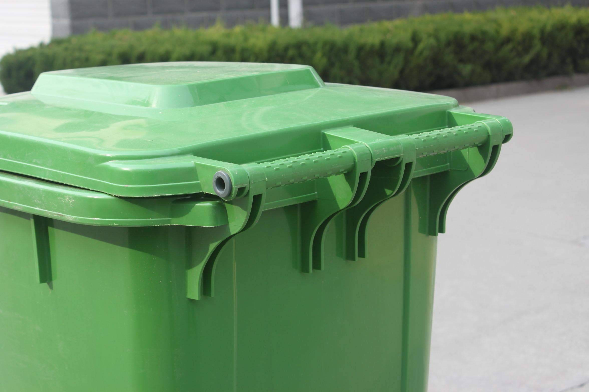 垃圾桶机械提升装置